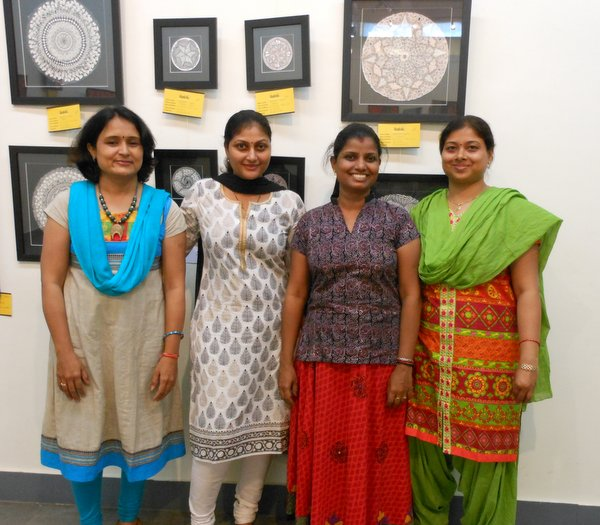 My Artists friends from Chennai...from left Chanda Dobriyal, Reshmi Gopinath, Shipra Gupta who too had their artworks on displayed at the show!!