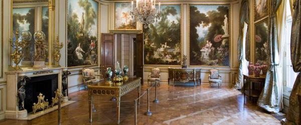 This parlor in the house was exclusively designed to hold Fragonards's 'Progress of love' Here is very interesting video on the inception of this series of artworks and their journey through various patorns... a must watch!!  Fragonard's 'Progress of Love'